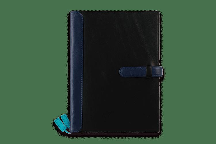 「ほぼ日手帳カズン」や「EditA5」サイズにピッタリの、A5サイズの 手帳カバーです。14色の牛本革から8箇所のカラーカスタマイズ可能。特に内側はカラフルに 創ることができます。その鮮やかなカラーは洗練された印象を与えます。革職人が一つひとつ手作りの心のこもった繊細な商品です。