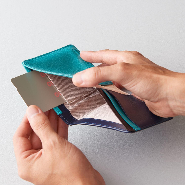 新商品「二つ折りミニ財布」究極の薄さを実現したミニウォレット発売 image08